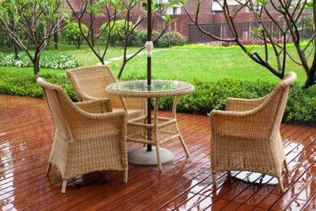Плетеная мебель для обустройства террасы