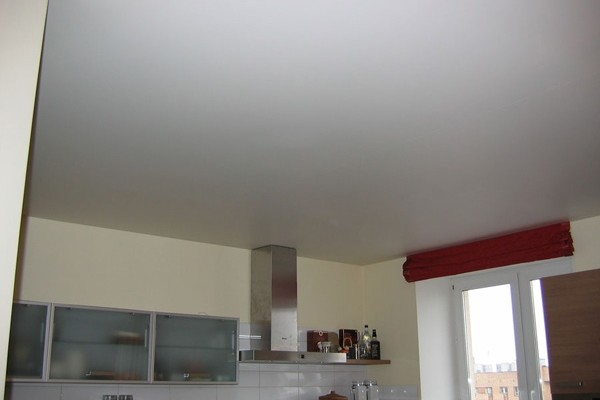 Потолок на кухне - какой лучше сделать