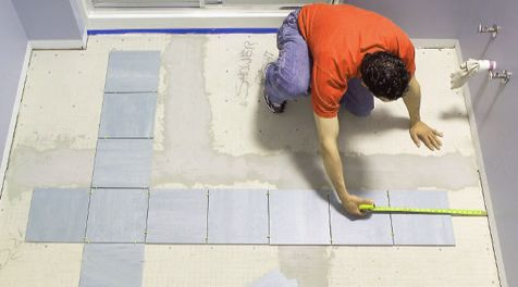 Укладка керамической плитки на пол и стены
