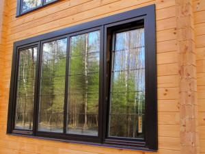 Деревянное окно для дачи