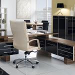Как правильно расставить мебель в офисе?