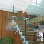 Ограждения для лестницы из стекла