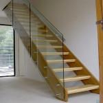Перила из стекла для лестницы