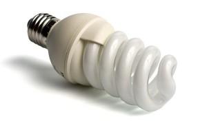 Стоит ли использовать энергосберегающие лампы