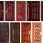 Варианты оформления входных дверей
