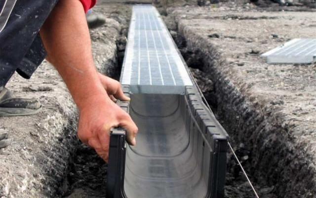 Ливневка на частном подворье – защита дома и участка от воды и грязи