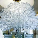 Стеклянные предметы декора для изысканного оформления интерьера