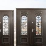 Металлические входные двери для частного дома – особенности выбора и монтажа