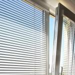 Как правильно подобрать жалюзи на пластиковые окна?