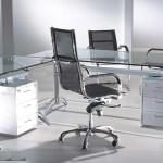 Стеклянные столы в вашем офисе — лучше не придумать!
