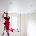 Много ли пыли при установке натяжных потолков?