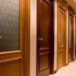 Правила выбора межкомнатной двери из дерева
