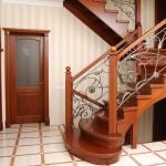 Из какой породы дерева лучше делать лестницу?