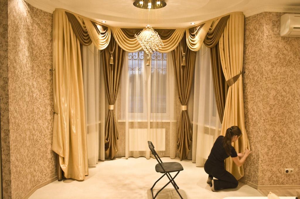 Дизайн комнаты с полуэркером фото передовой